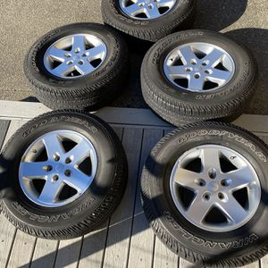 2018 Jeep Wrangler Wheels And Tires for Sale in Olympia, WA