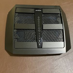 Open Box NETGEAR Nighthawk X6 AC Tri Band Ac3200 Smart WiFi Router, Gigabit Ethernet, for Sale in San Leandro, CA
