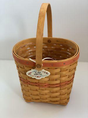 Adorable Longaberger basket for Mom for Sale in Hamilton, OH