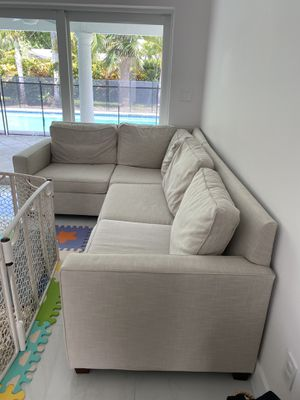 """West Elm """"Henry"""" Sectional Couch for Sale in Palmetto Bay, FL"""