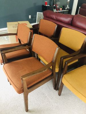 Chair for business 5 Dollars Each for Sale in Raleigh, NC