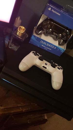 Ps4 pro 1tb 4k gaming bundle! *Adult owned* for Sale for sale  Westfield, IN