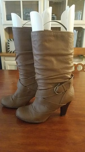 Cathy Jean Tan Boots 7.5 for Sale in Seattle, WA