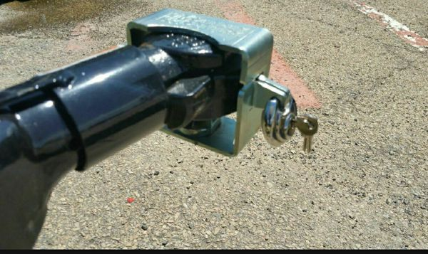 "TSL-1 Universal TRAILER LOCK FOR BULLDOG AND RAM CAST IRON COUPLER 2"" Or 2-5/16"