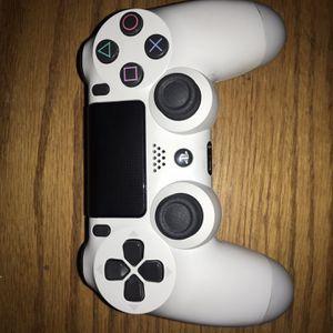 white ps4 remote for Sale in Casa Grande, AZ