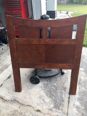 Headboard For Twin Bed for Sale in Bartow, FL