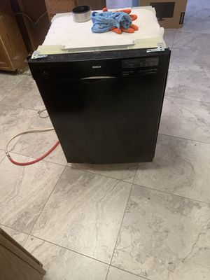 Good working stove and dishwasher for Sale in Phoenix, AZ