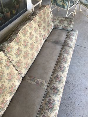 Free Couch for Sale in Mesa, AZ