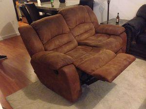 Love seat recliner for Sale in Miami, FL