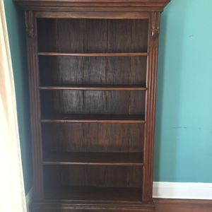 Wooden book shelf for Sale in Bronx, NY