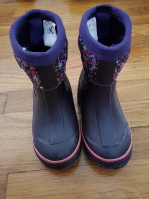 Rain or snow boots size 7/8 girls for Sale in Artesia, CA