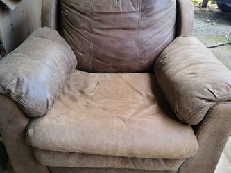 Large leather chair for Sale in Portland,  OR