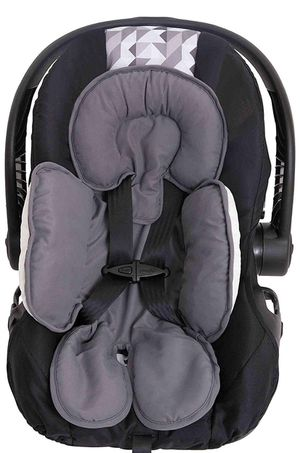 Baby car seat/ breast feed cover and car seat head support for Sale in Charlotte, NC