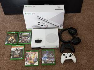 Xbox 1S 1TB bundle $289.⁰⁰ O.B.O for Sale in Ann Arbor, MI