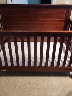 Fisher Price Baby Crib. for Sale in Clermont,  FL