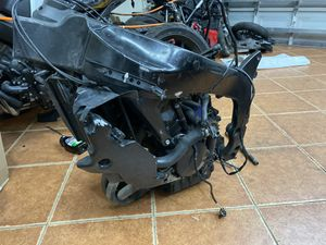 07 zx6r motor and frame for Sale in Miami, FL