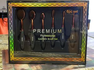 Makeup brush 6pc set for Sale in Portland, OR