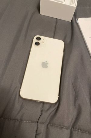 Like new iPhone 11 for Sale in Los Angeles, CA
