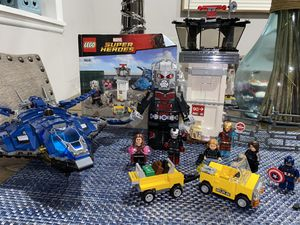 LEGO 76051 Marvel Super Heroes Super Hero Airport Battle for Sale in Bell Gardens, CA