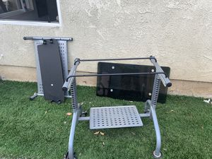 Computer desk free for Sale in Fullerton, CA