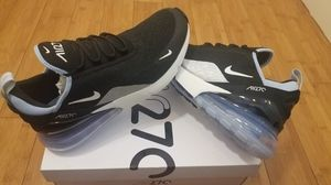 Nike Air Max 270 size 10 for women , fits size 8.5 in Men for Sale in Paramount, CA