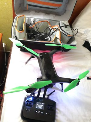 Dr3 solo smart drone with gimbal,gopro 4, 2 batteries, bag and all accessories - ready to fly for Sale in Pikesville, MD