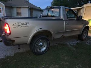 1998 Ford F150 Regular Cab Short Bed for Sale in Collinsville, IL