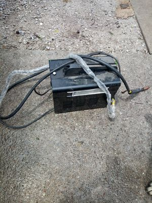90 amp flux wire welder for Sale in Overland, MO