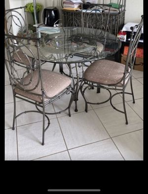 Dining table for Sale in Plantation, FL