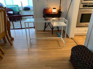 Desk (comes with chair) for Sale in Miami, FL
