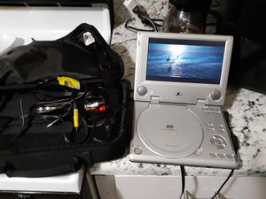 Travel dvd players 25 each r both for 40 for Sale in Mitchell, IL