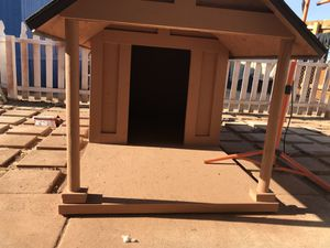 Beautiful dog house with patio for Sale in Phoenix, AZ