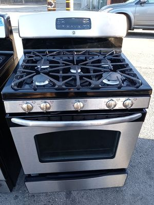 Ge 5 burners gas stove steel for Sale in San Leandro, CA