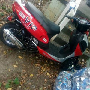 VIP practically NEW scooter/RED in Color/224 Miles for Sale in Cayce, SC