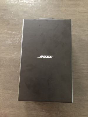 Bose Bluetooth headphones for Sale in Cleveland, OH