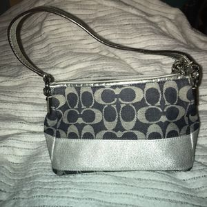 Coach purse and wallet for Sale in Grove City, OH