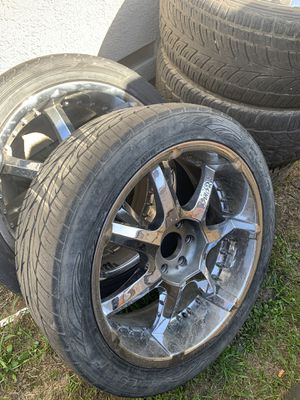 """23"""" rims one rim is 24"""" has a small dent for Sale in Modesto, CA"""