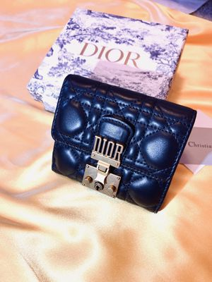 Dior Wallet Black for Sale in Chicago, IL