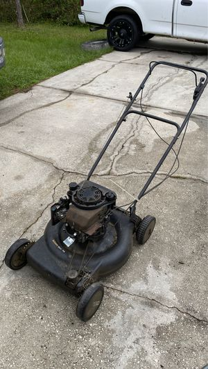 """Briggs and Stratton Walk Behind Lawn Mower """"For Free"""" must be picked up for Sale in Kissimmee, FL"""