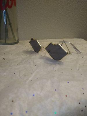 Lips Sunglasses for Sale in Memphis, TN