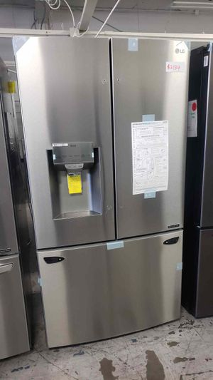 LG Fridge 26 cu. ft. 3-Door French Door Smart Refrigerator with InstaView Same day or next day delivery available for Sale in Lakewood, CA