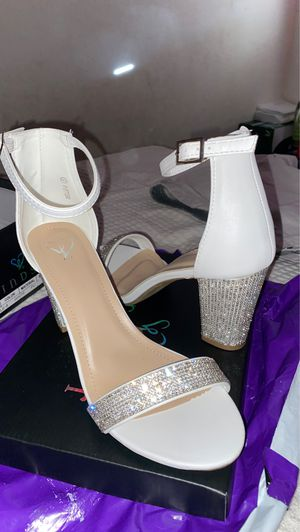 White heels for sale. Size 9 never used heel to high for me. Selling for $25 let me know if your interested. for Sale in Montclair, CA