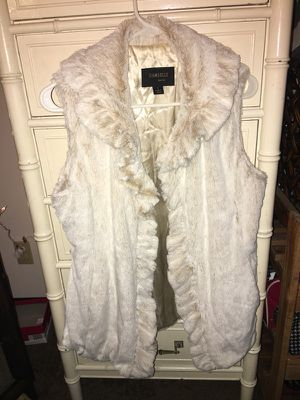 Damsel faux fur sleeveless cover/vest. 3 hook and loop closures, size sm, silky lining for Sale in Johnstown, OH