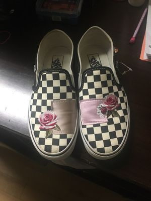 Slightly worn vans size 8.5 must be gone today for Sale in Decatur, GA