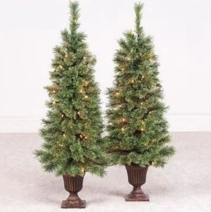 Artificial cashmere pre-lit Christmas Trees for Sale in Cleveland, OH