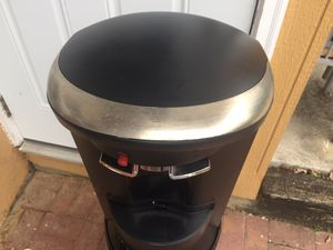 Hot/Cold Water Dispenser (bottle load below) for Sale in Springfield, VA