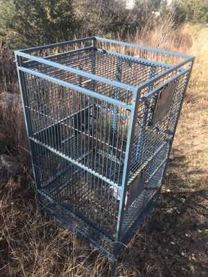 Medium sized Bird cage for Sale in Dripping Springs, TX