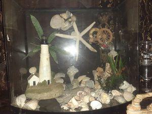 20 Gallon Bow Front Aquarium for Sale in Riverdale, GA