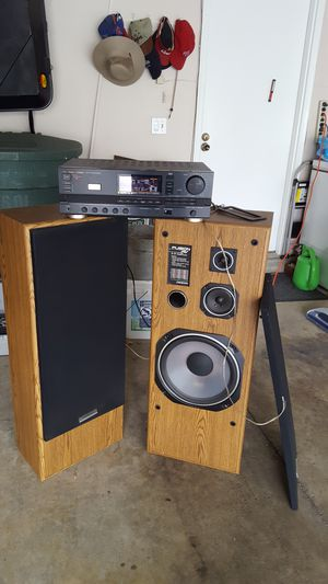Vintage Onkyo Speakers and Fisher AM/FM Stereo Receiver for Sale in Columbus, OH