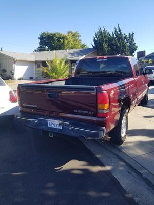 SILVERADO 4WD CLEAN TITLE for Sale in San Jose, CA
